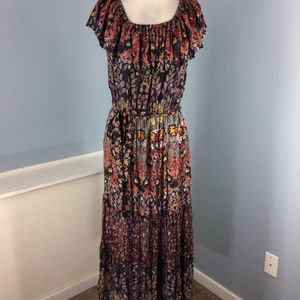 Light & Sound M Off Shoulder Floral Maxi dress